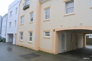 2 Bed Ground Floor Apartment With Parking