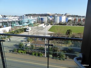 2 Bed Castle Quay Apartment With Parking