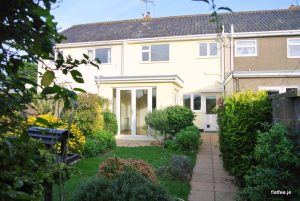 Non Qualified 3 Bed House with Garden and Garage